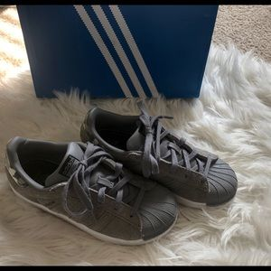 Boys adidas suede gray colored size 2
